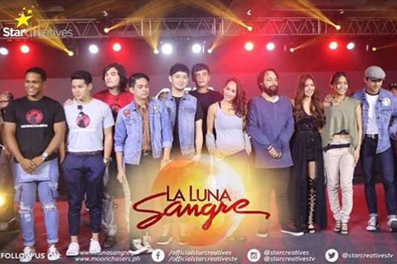 La Luna Sangre stars at the Asia Pop Comicon 2017
