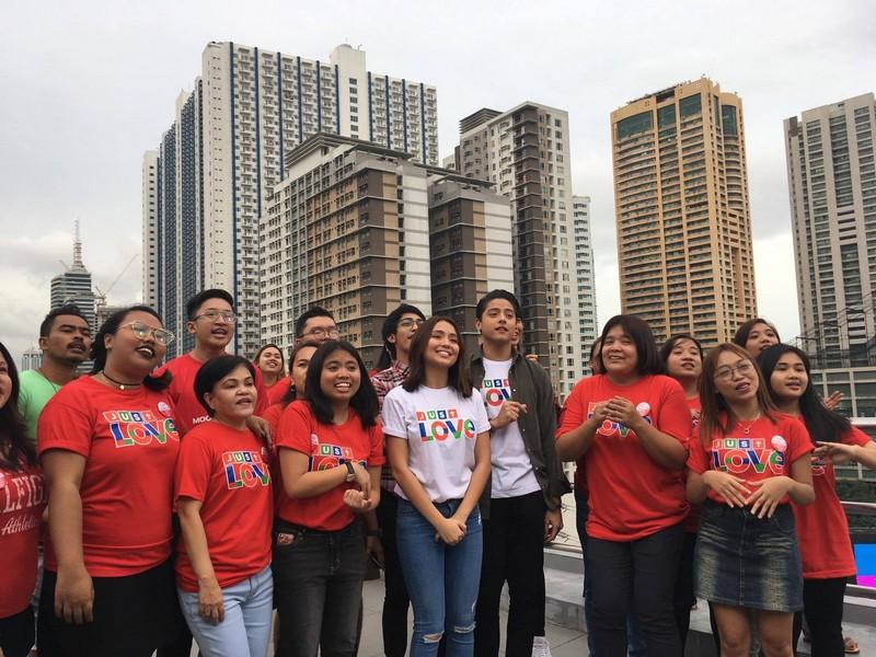 ABS-CBN Christmas SID 2017 PHOTOS: Just Love Ngayong Christmas with La Luna Sangre stars